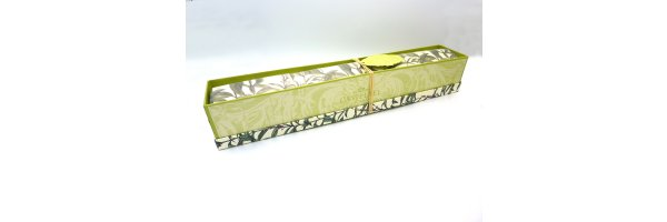 Fragranced drawer liners